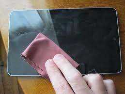 طریقه تمیز کردن صفحه نمایش لمسی گوشی و تبلت
